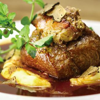 牛フィレ肉とフランス産フォアグラのロッシーニ